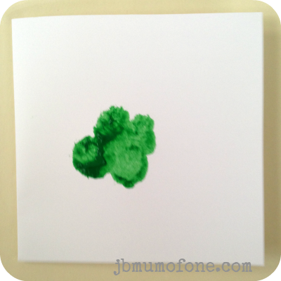 Splodge out clover Toddler Craft: Super Simple St Patricks Day Cards